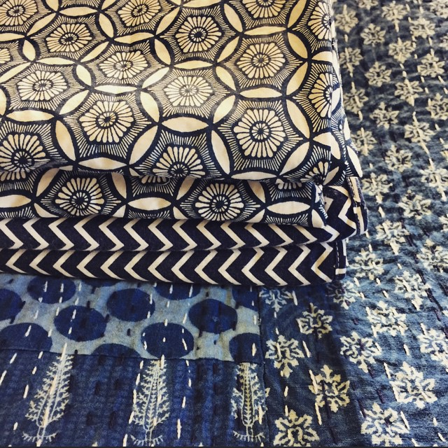 Loving all shades of indigo in bed linen at the mo. These pretties are from (bottom to top) @peacocks_paisleys then @fictionalobjects and then @bedbathntable